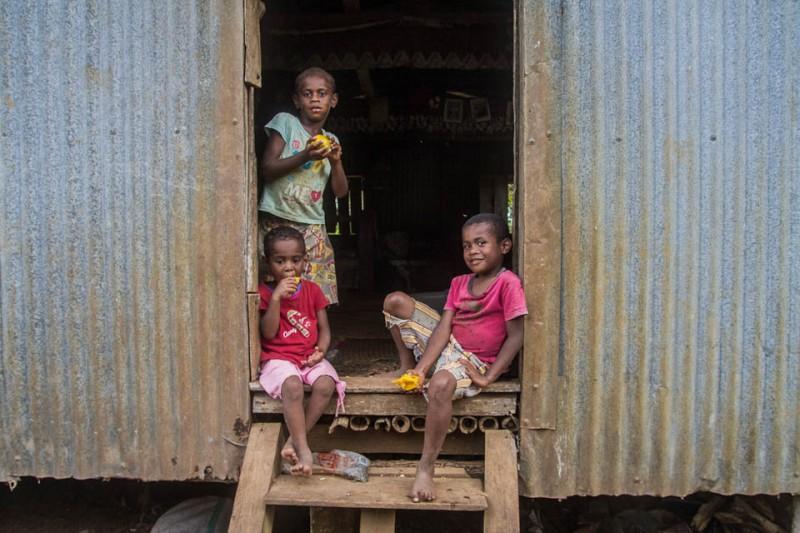 Niños en su casa