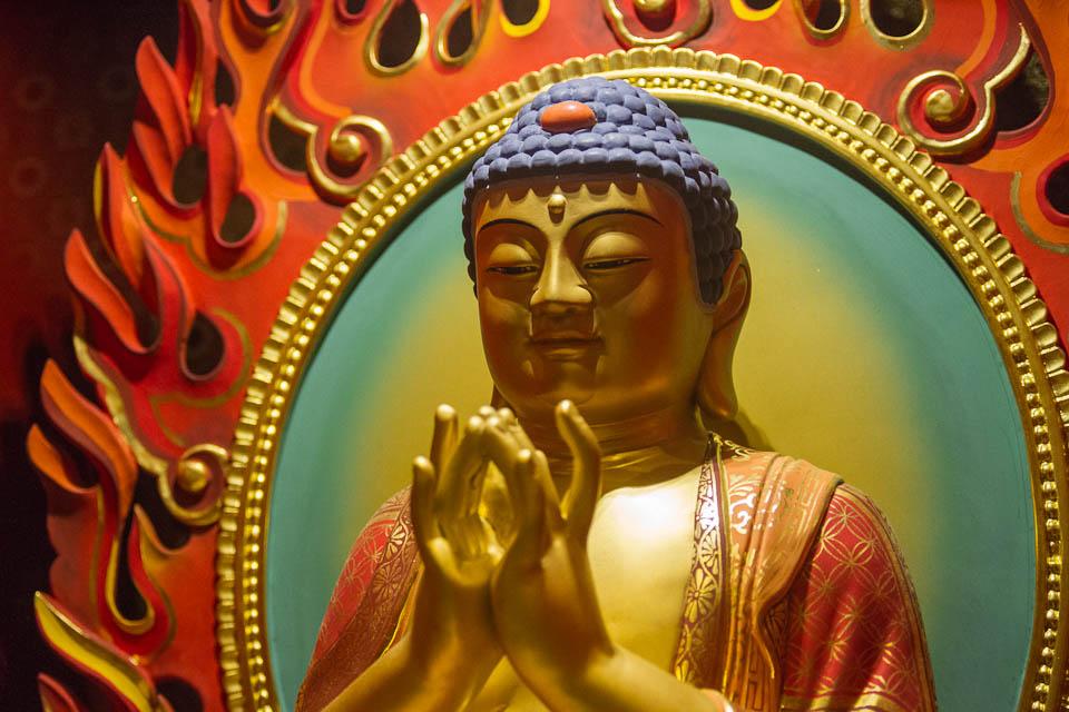 Budha en templo.
