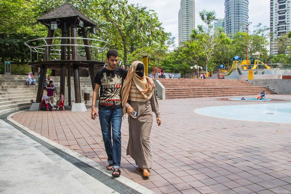 Paseando con burka.