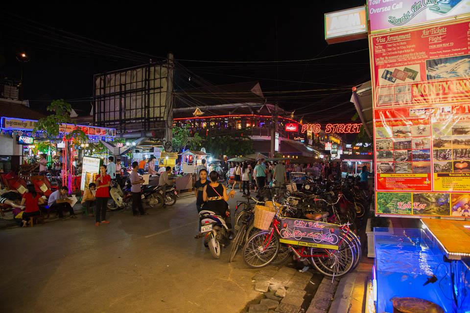Calles de bares y restaurantes.