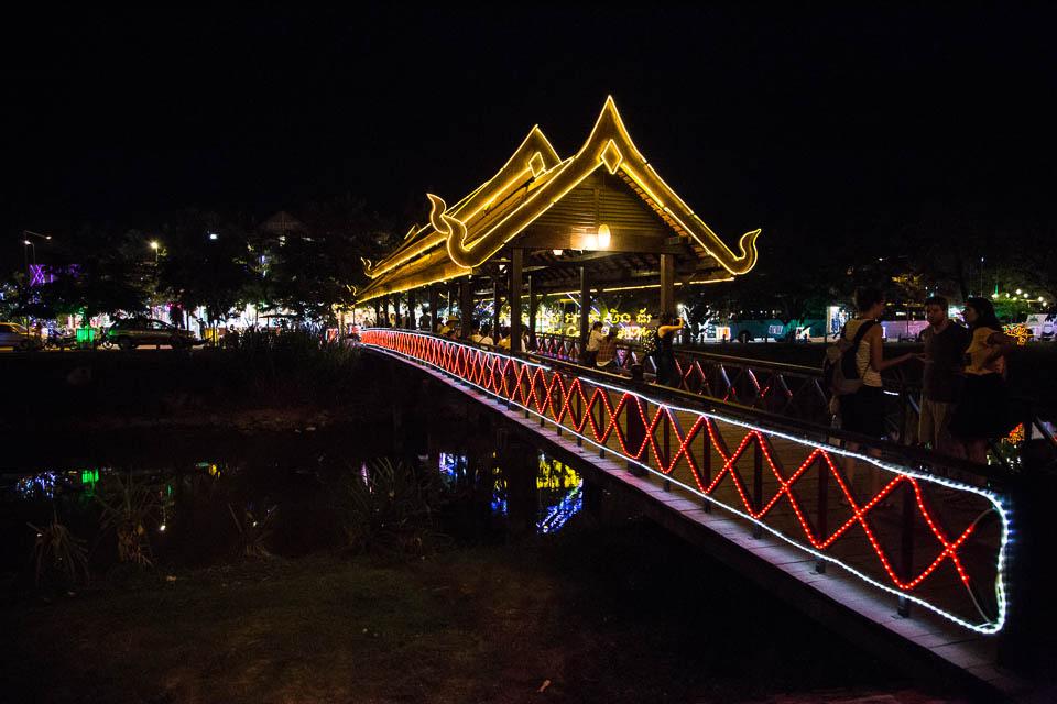 Puente sobre el río.