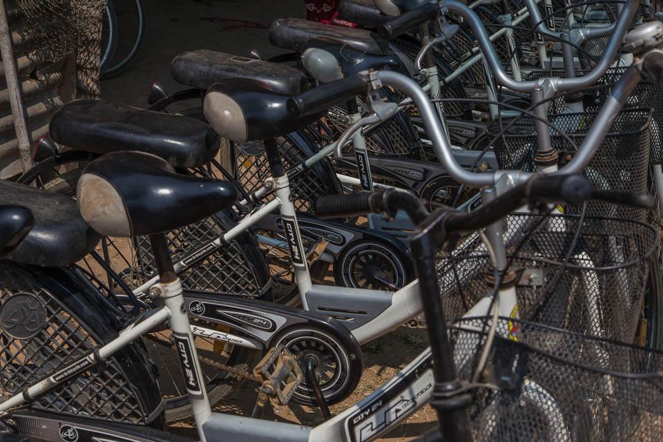 Alquilando una bici.