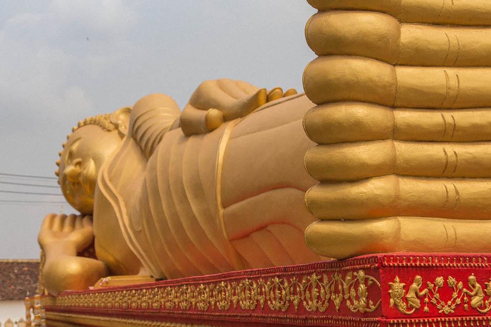 Buddha tumbado.