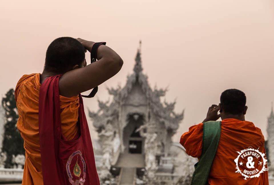 Fotografiando el templo.