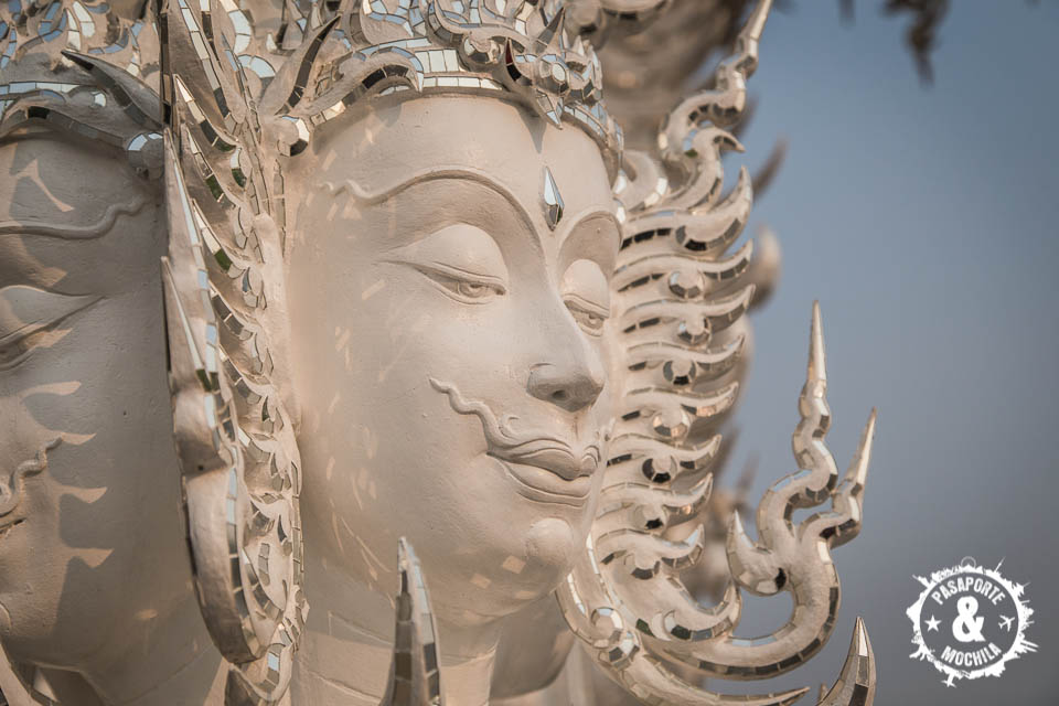 Figura en templo.