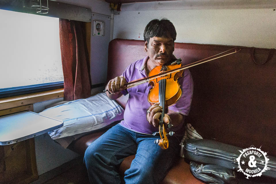 Violinista en el tren