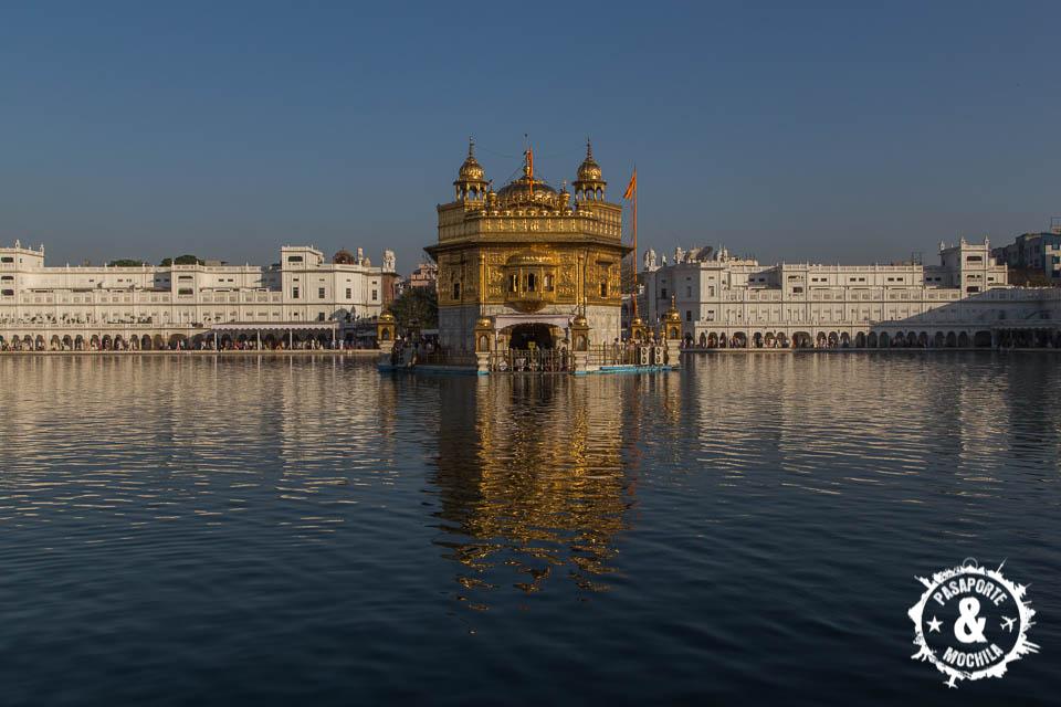 Templo dorado impresionante
