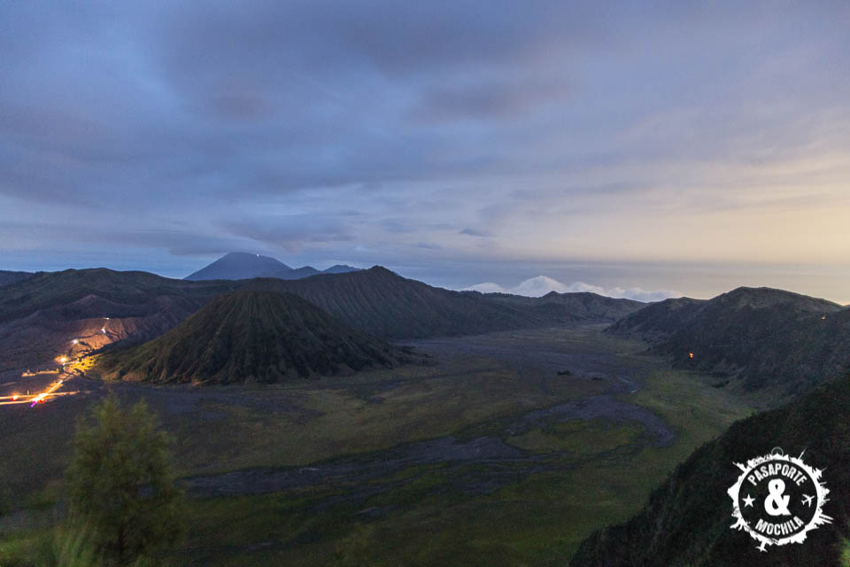 Volcán al amanecer.